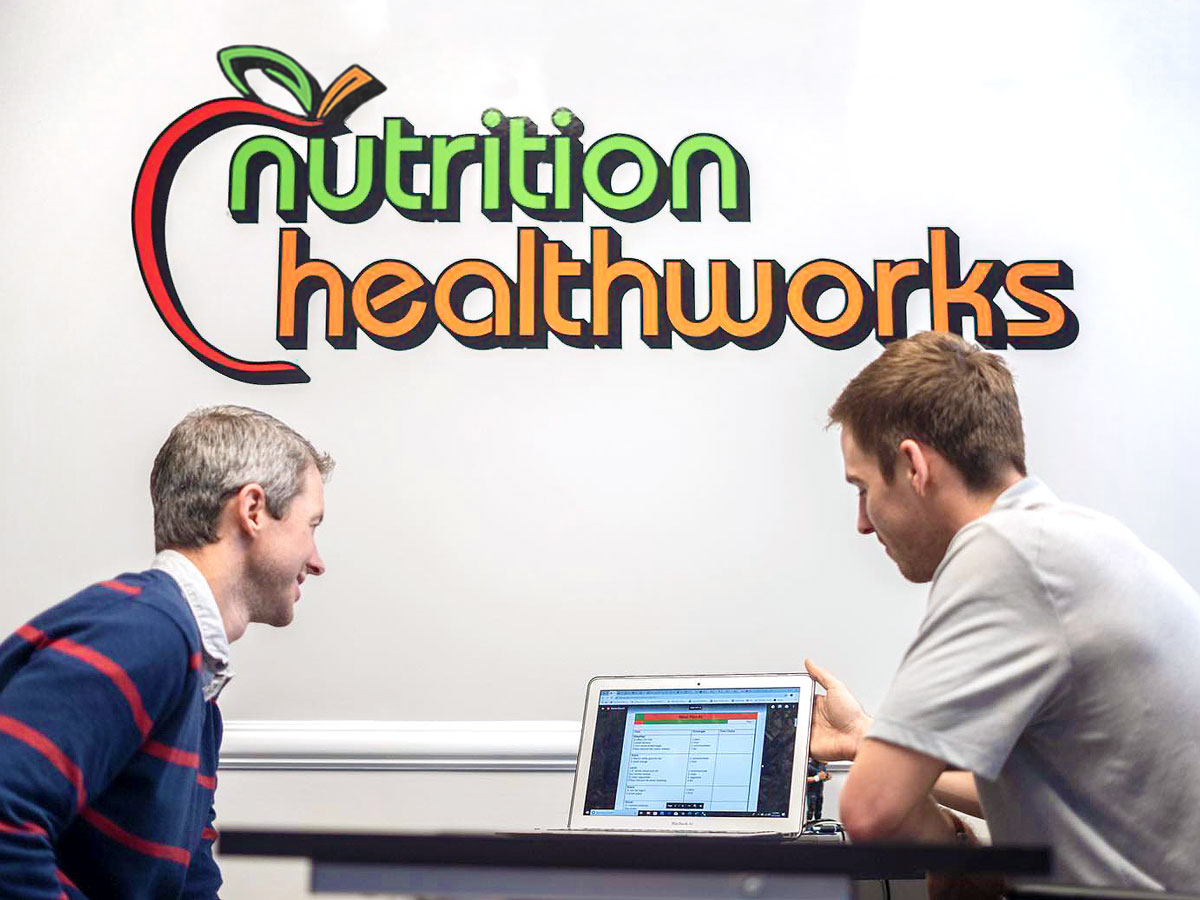 dietitian going over program with client